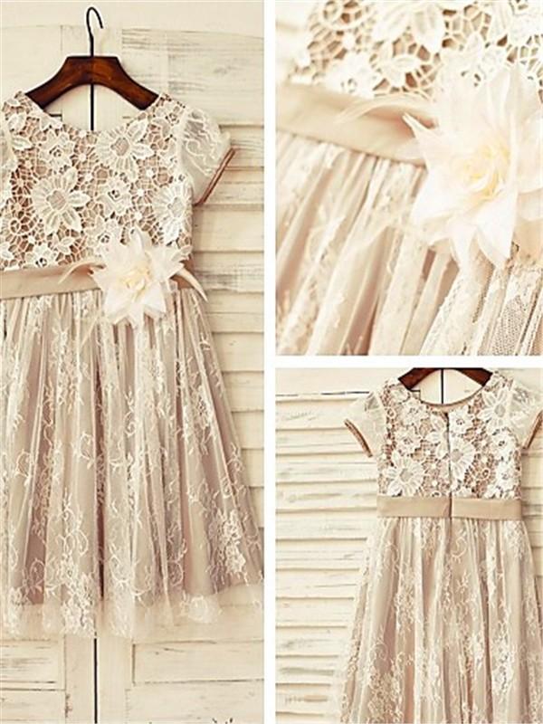 A-Linien-/Princess-Stil U-Ausschnitt Kurze Ärmel Wadenlang Spitze Blumenmädchenkleid mit Perlenstickereien Handgemachte Blumen