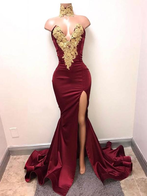 Trompeten-/Meerjungfrauenkleider V-Ausschnitt Ärmellos Pinselschleppe Satin Spitze Kleid mit Schlitz