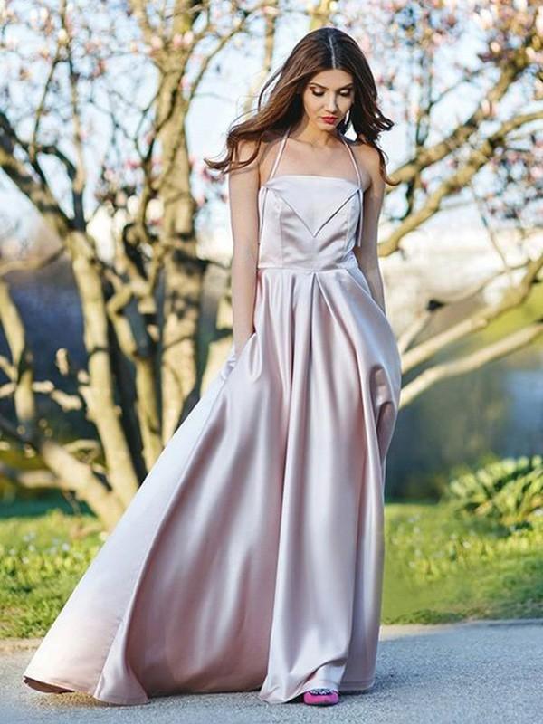 A-Linien-/Princess-Stil Neckholder Pinselschleppe Satin Ärmellos Abendkleid mit Rüschen