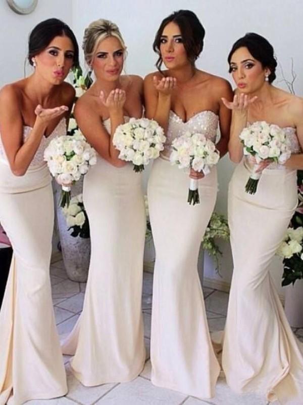 Trompeten-/Meerjungfrauenkleider Herzausschnitt Bodenlang Satin Ärmellos Brautjungfernkleid mit Perlenstickereien