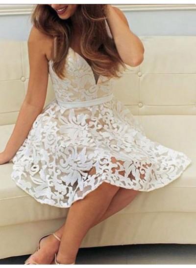 A-Linien-/Princess-Stil V-Ausschnitt Spitze Ärmellos Kurze Kleid mit Applikationen