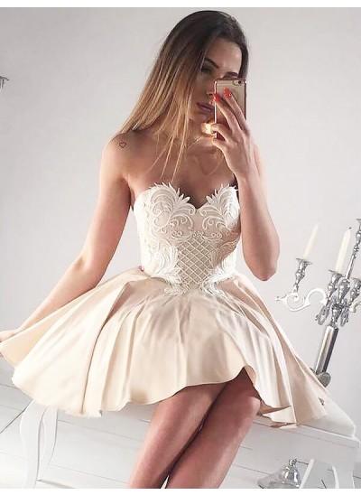 A-Linien-/Princess-Stil Herzausschnitt Satin Ärmellos Kurze Kleid mit Applikationen