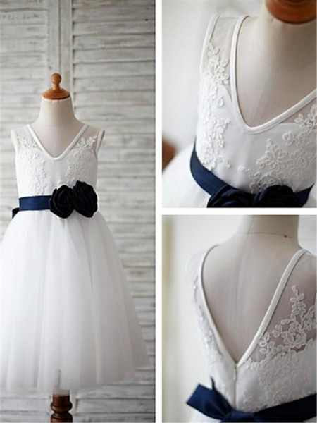A-Linien-/Princess-Stil V-Ausschnitt  Bodenlang Tüll Blumenmädchenkleid mit Perlenstickereien