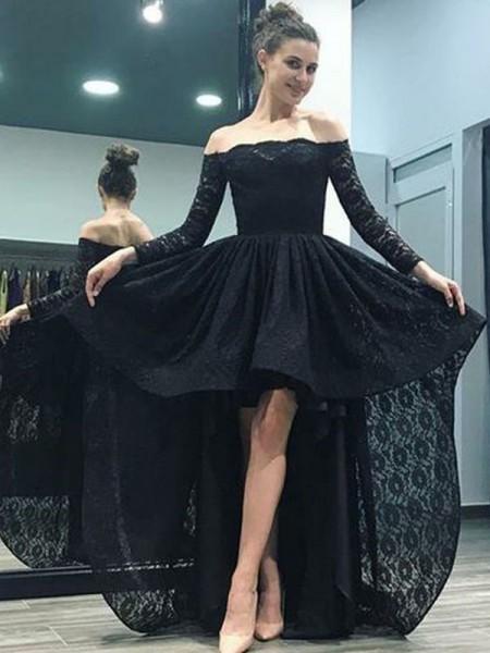 A-Linien-/Princess-Stil Schulterfrei Pinselschleppe Lange Ärmel Abendkleid mit Rüschen Spitze
