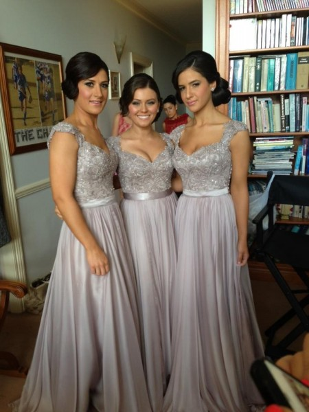 Etui-Linie V-Ausschnitt Bodenlang Chiffon Brautjungfernkleid mit Perlenstickereien